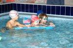 Кому полезно заниматься плаванием?